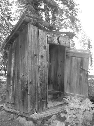 Old_outhouse
