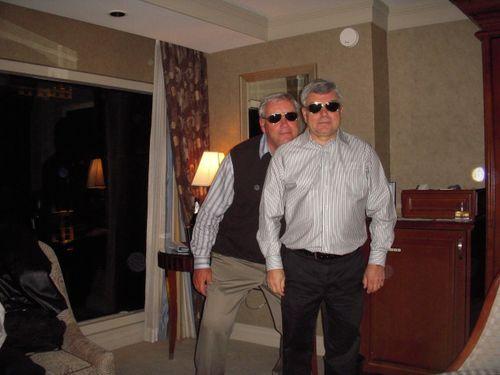 John dan elvis glasses